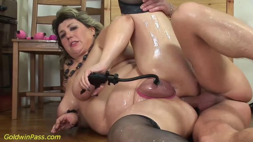 Sound Breaks - Fat moms first extreme porn lesson
